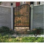 Wrought iron gates and gate gate with polycarbonate